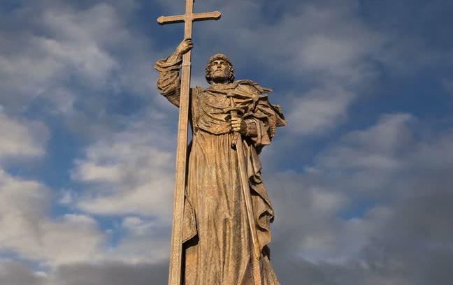 Монумент князю Владимиру